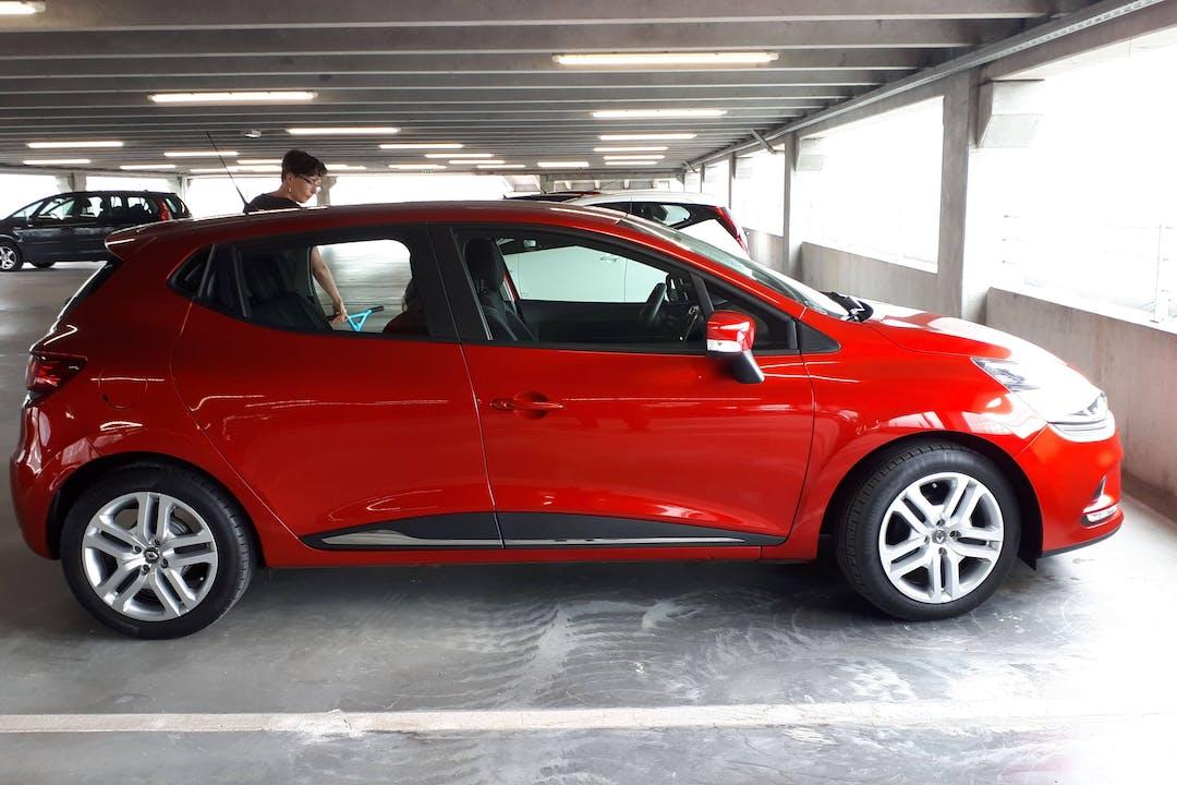 Billig billeje af Renault Clio HB nær 2500 København.