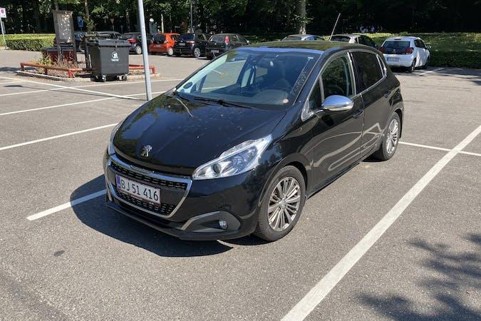 Billig billeje af Peugeot 208 med GPS nær 8000 Aarhus.