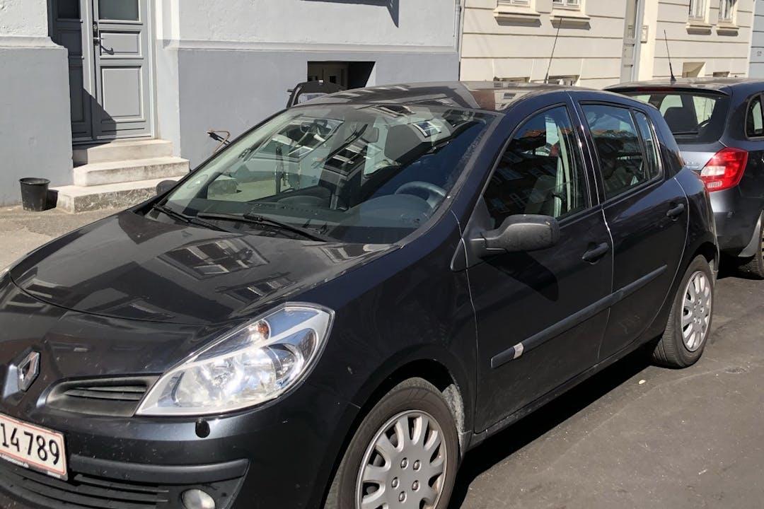 Billig billeje af Renault Clio HB nær 8000 Aarhus.
