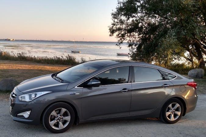 Billig biluthyrning av Hyundai i40 i närheten av 237 34 Bjärred.