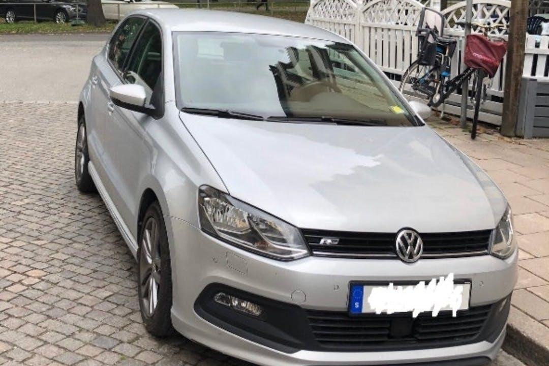 Billig biluthyrning av Volkswagen Polo med Bluetooth i närheten av 115 27 Östermalm.
