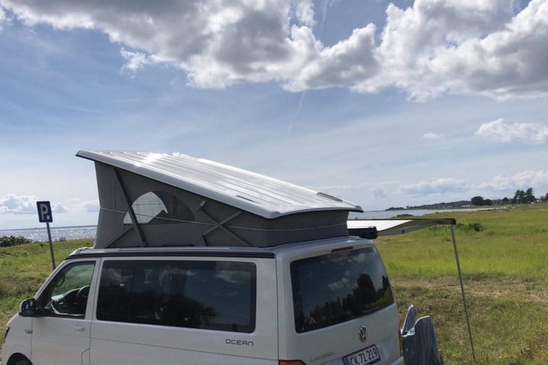 Billig billeje af Volkswagen California med GPS nær 4700 Næstved.