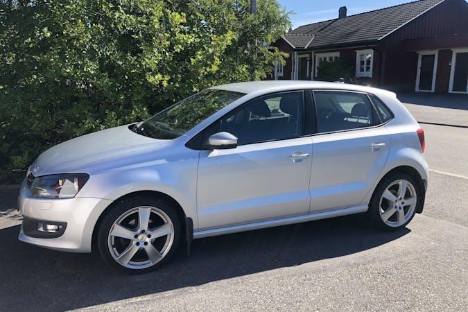 Billig biluthyrning av Volkswagen Polo i närheten av 907 88 Umeå SO.
