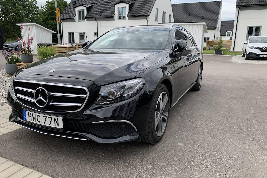 Billig biluthyrning av Mercedes E-Class i närheten av 247 62 .