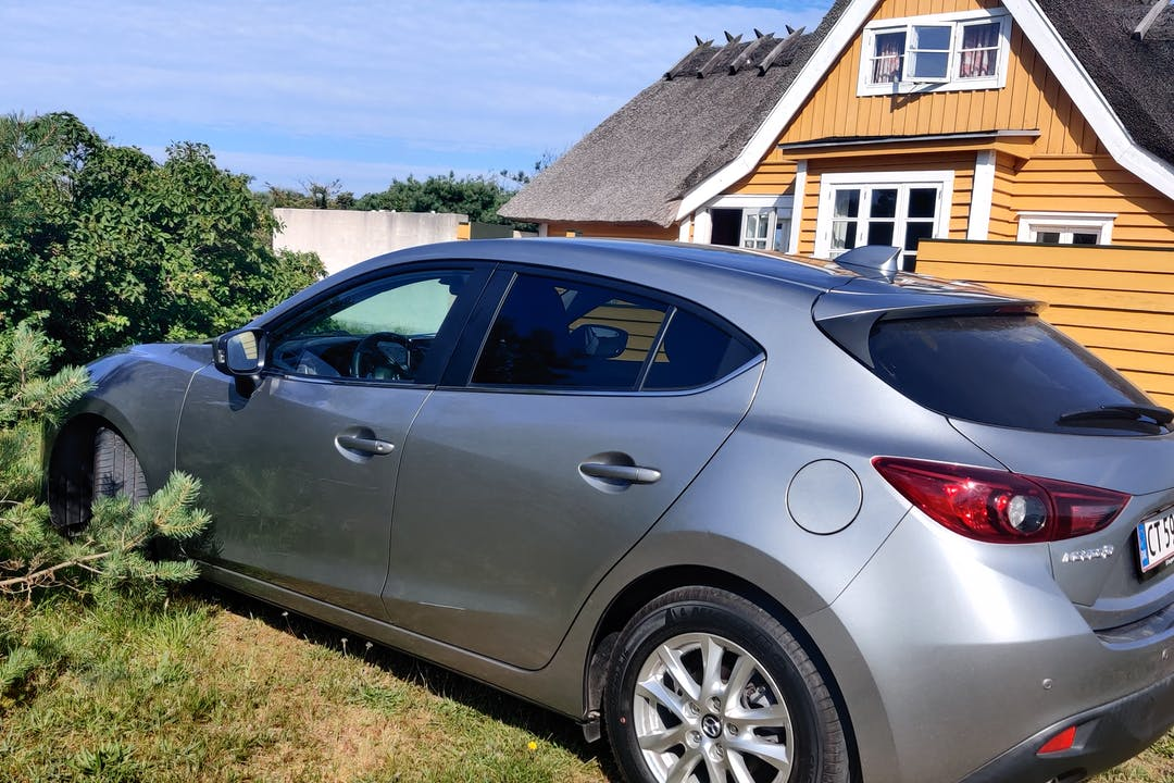 Billig billeje af Mazda 3 nær 2200 København.