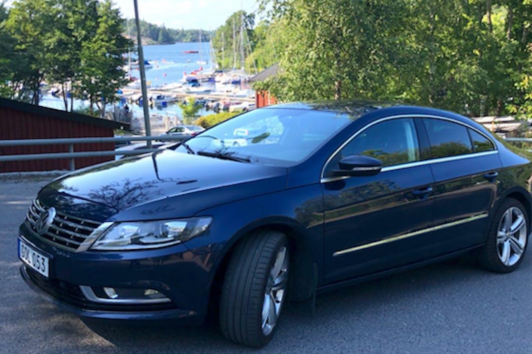 Billig biluthyrning av Volkswagen Passat CC med Dragkrok i närheten av 129 34 Hägersten-Liljeholmen.