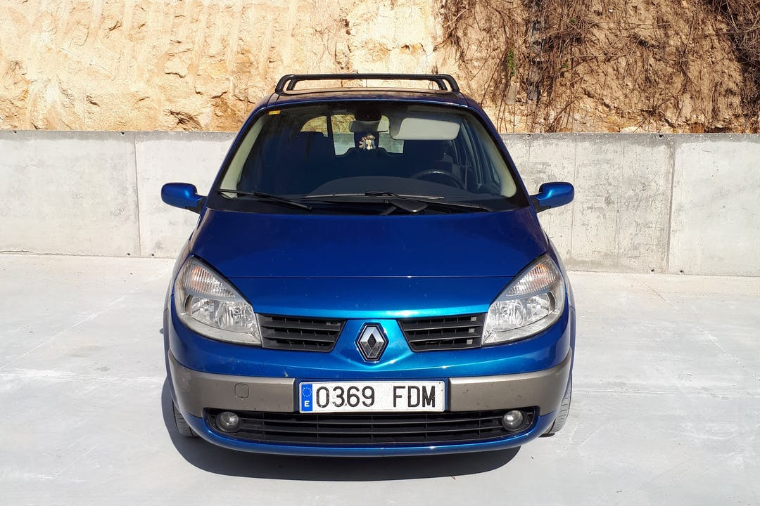 Alquiler barato de Renault Scenic cerca de 48200 Durango.