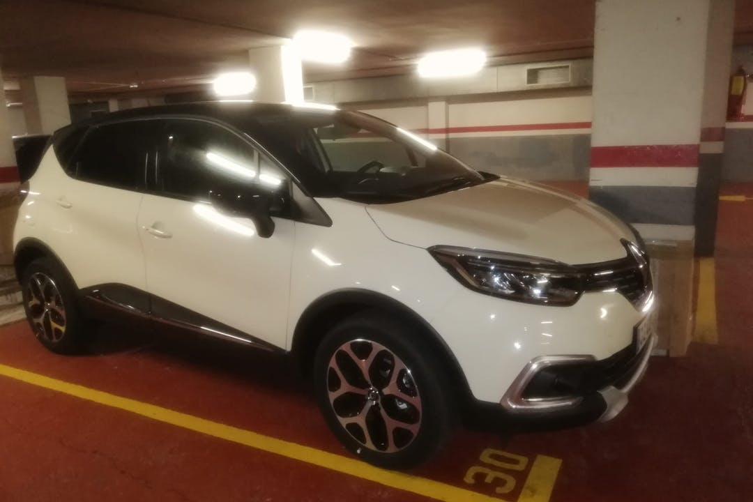 Alquiler barato de Renault Captur cerca de 08020 Barcelona.