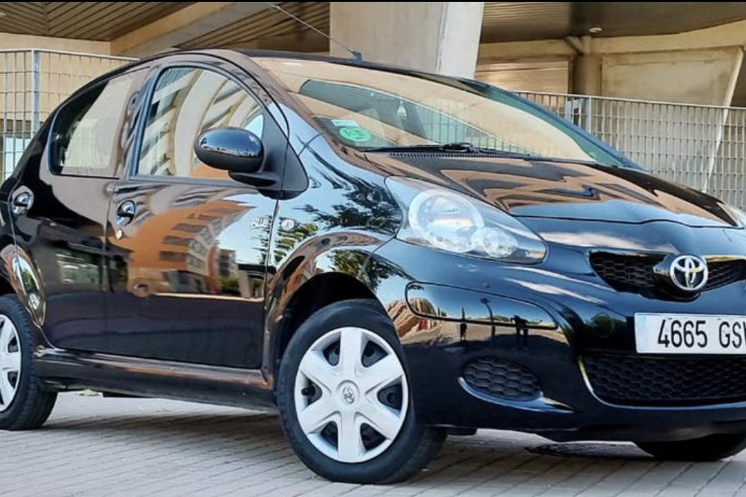 Alquiler barato de Toyota Aygo cerca de 46134 Foios.