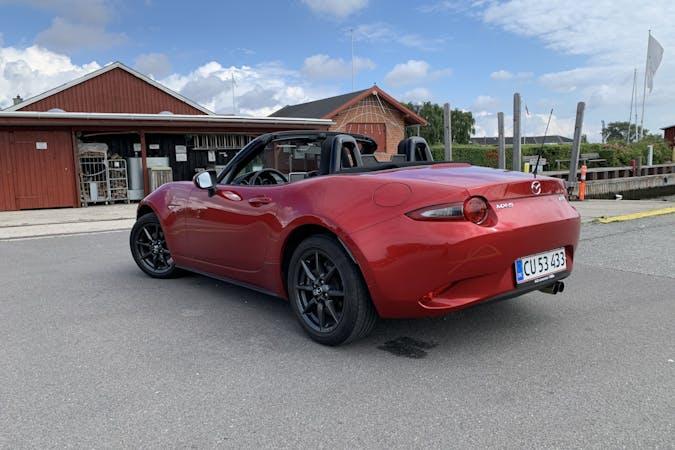 Billig billeje af Mazda MX-5 med GPS nær 2650 Hvidovre.