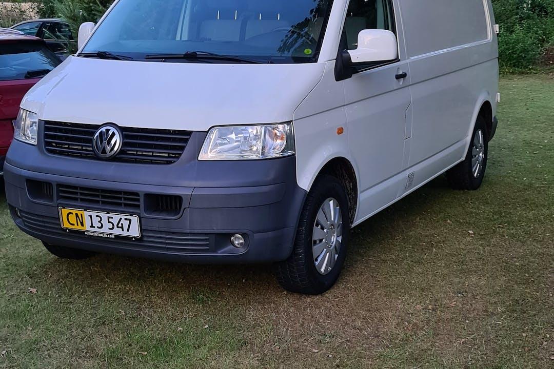 Billig billeje af Volkswagen Transporter nær 2450 København.