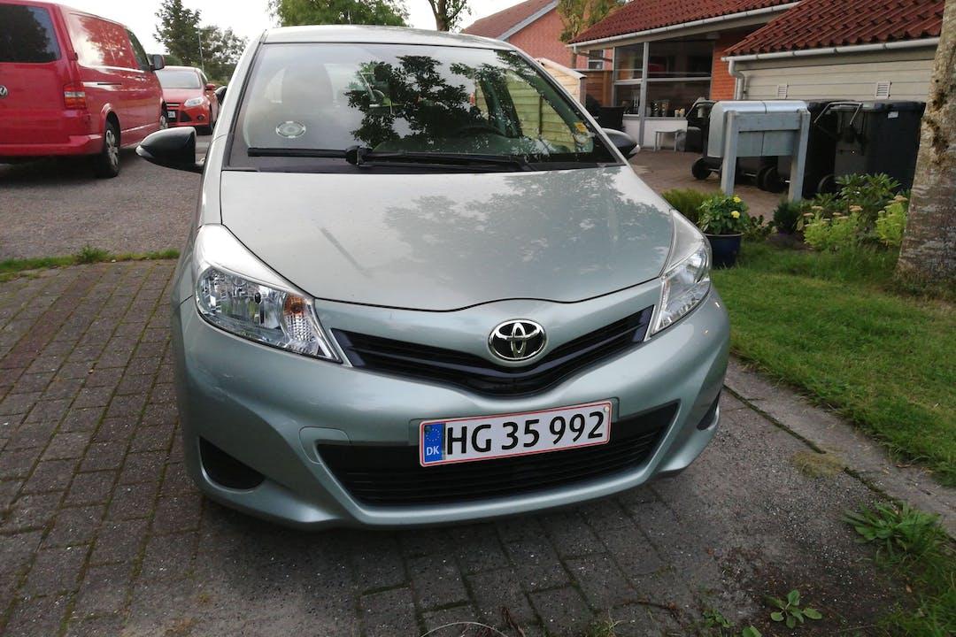 Billig billeje af Toyota Yaris med Anhængertræk nær 9881 Bindslev.