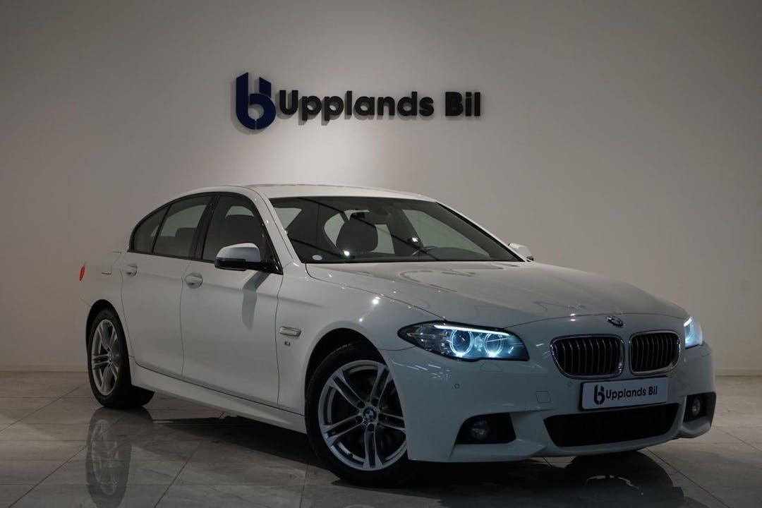 Billig biluthyrning av BMW 5 Series i närheten av 752 60 Berthåga-Stenhagen-Husbyborg-Librobäck.