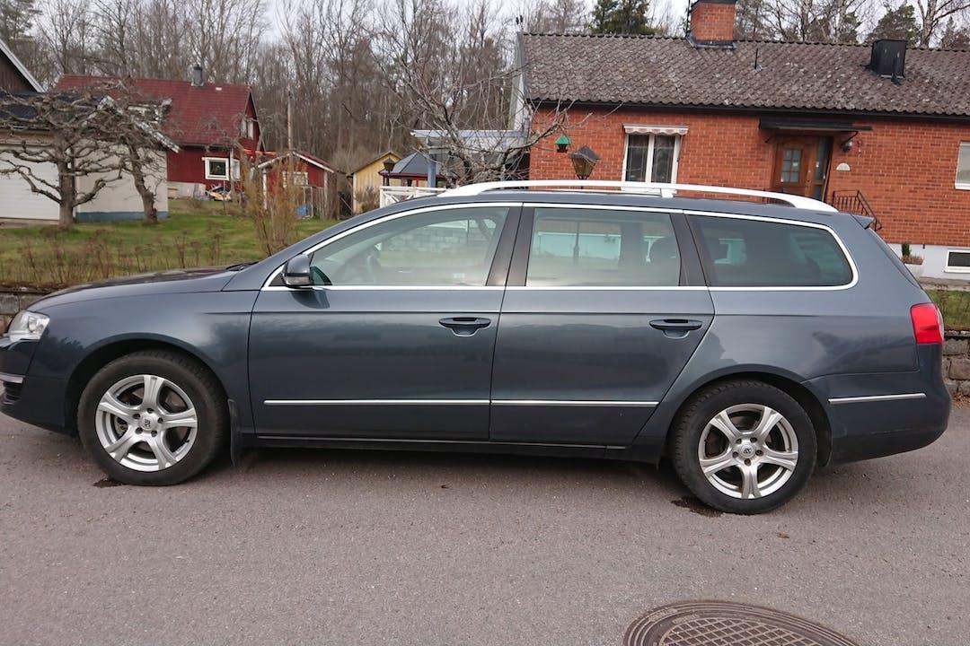 Billig biluthyrning av Volkswagen Passat med Dragkrok i närheten av 584 22 Jägarvallen.
