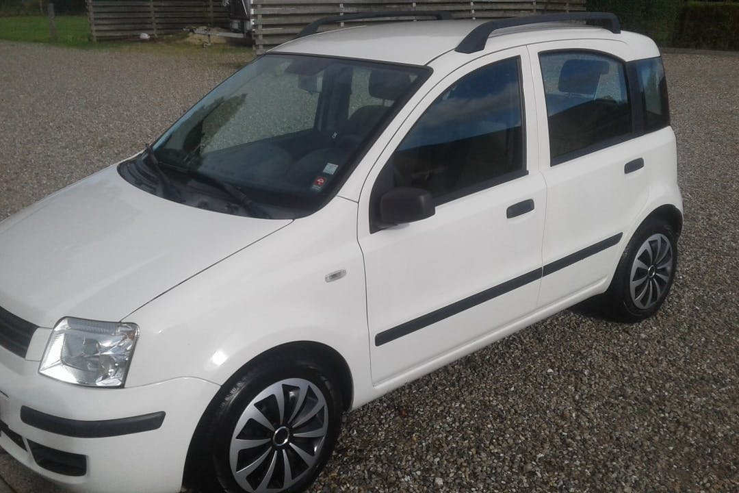 Billig billeje af Fiat Panda nær 9690 Fjerritslev.