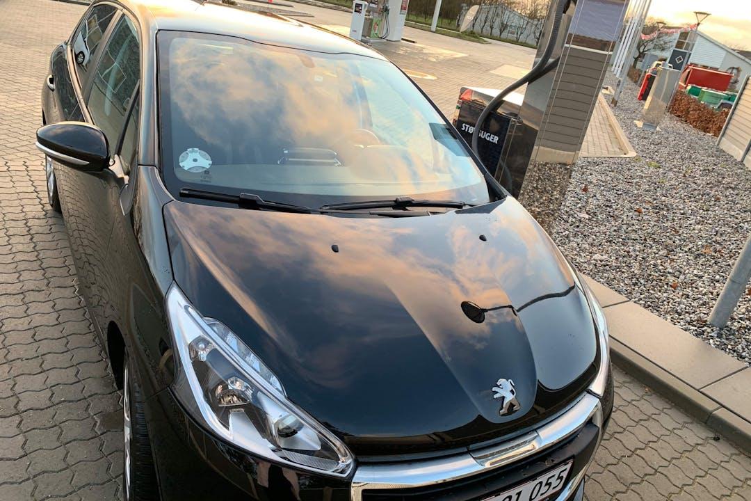 Billig billeje af Peugeot 208 med Bluetooth nær 8200 Aarhus.