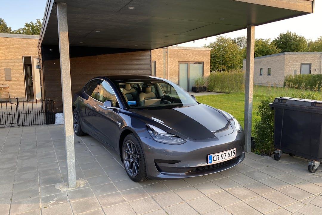 Billig billeje af Tesla Model 3 nær 8310 Tranbjerg.