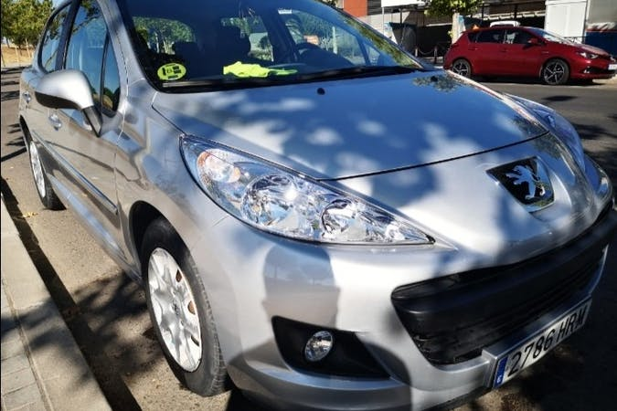 Alquiler barato de Peugeot 207 cerca de 28025 Madrid.