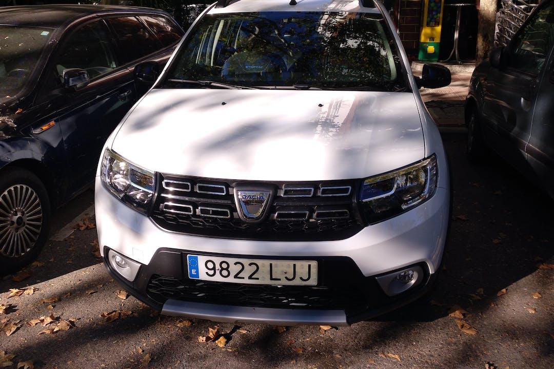 Alquiler barato de Dacia Sandero Stepway cerca de  Madrid.