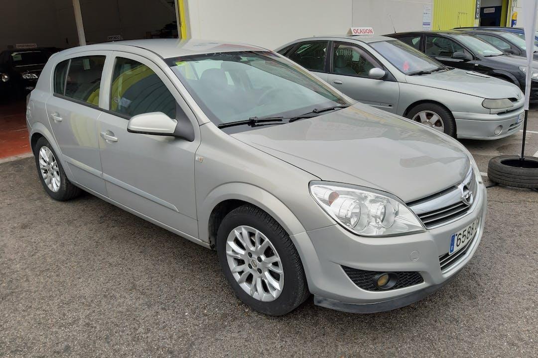 Alquiler barato de Opel Astra cerca de 28320 Pinto.