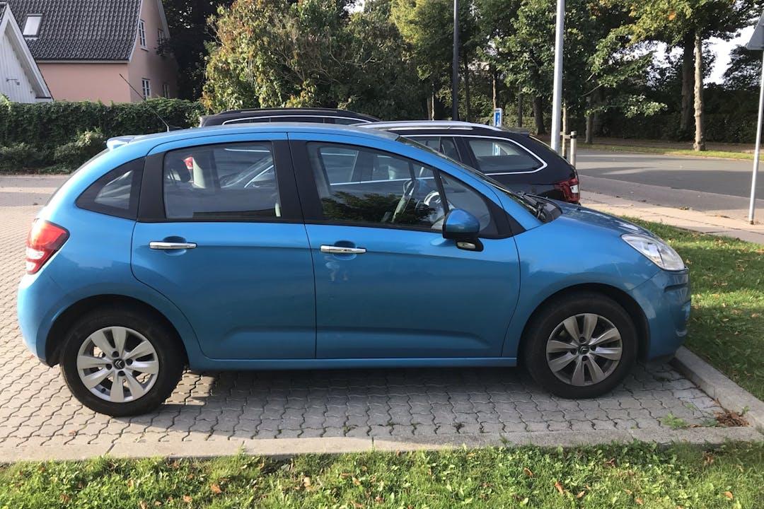 Billig billeje af Citroën C3 med Aircondition nær 2300 København.