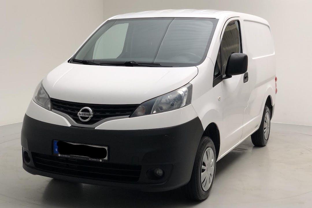 Billig biluthyrning av Nissan NV200 i närheten av 164 79 Akalla.