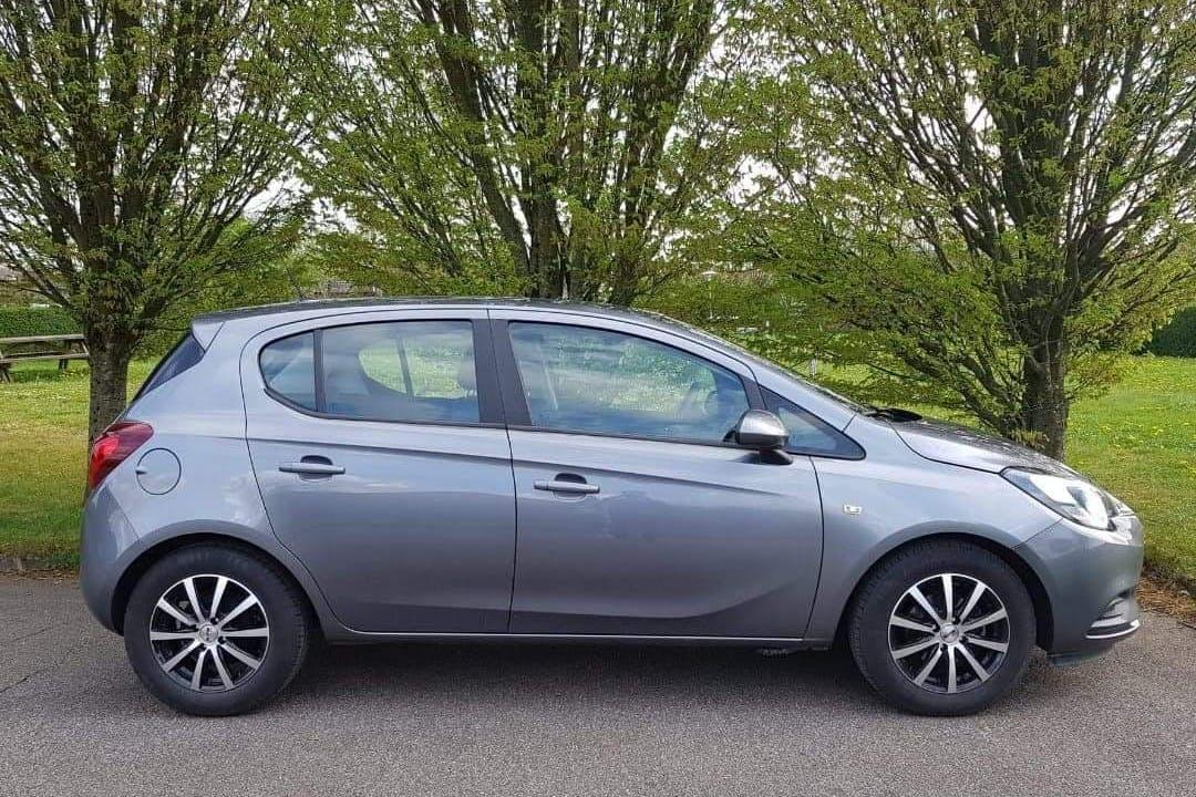Billig billeje af Opel Corsa nær 4000 Roskilde.