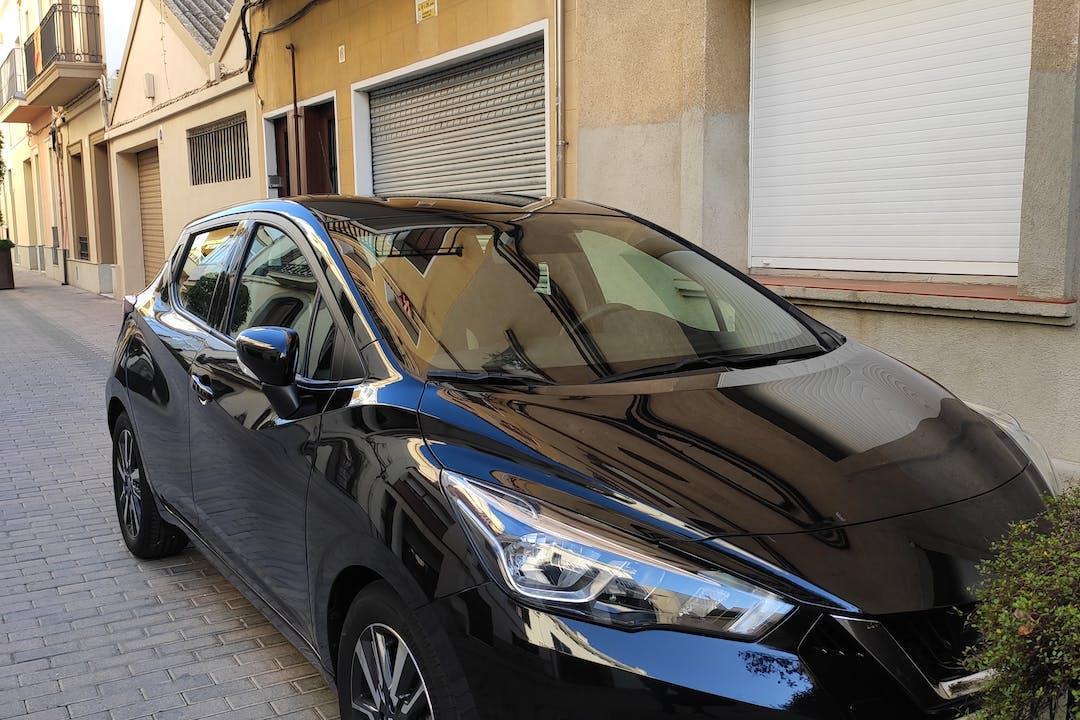Alquiler barato de Nissan Micra cerca de 08330 Premià de Mar.