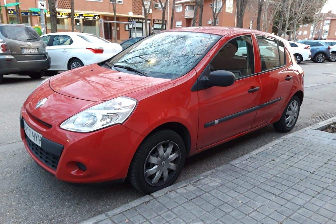 Alquiler barato de Renault Clio HB cerca de 28891 Velilla de San Antonio.