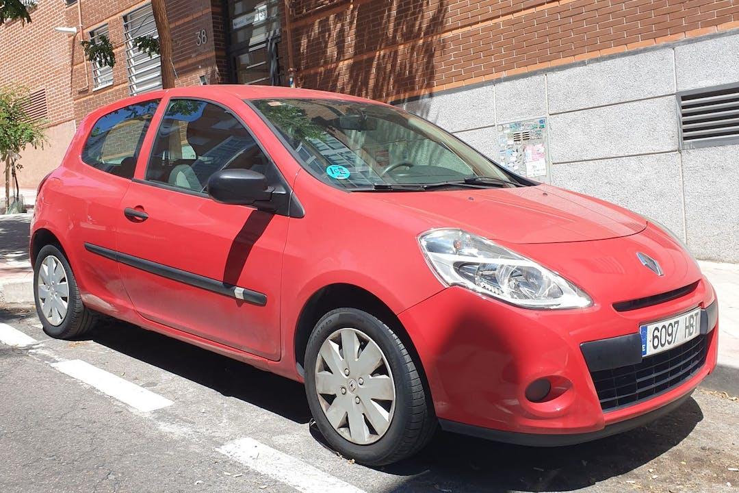 Alquiler barato de Renault Clio HB cerca de 28017 Madrid.