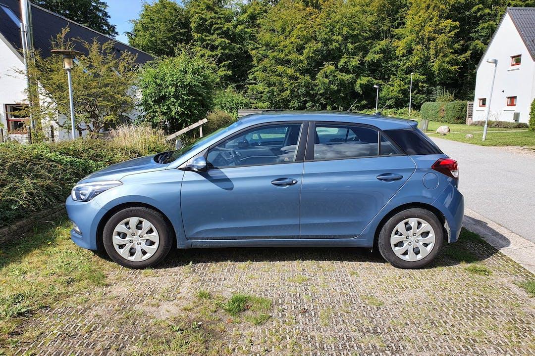 Billig billeje af Hyundai i20 med Isofix beslag nær 2300 København.