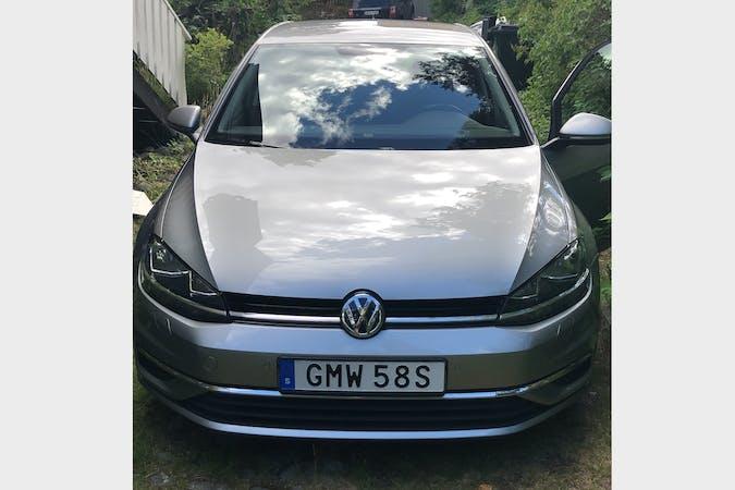 Billig biluthyrning av Volkswagen Golf i närheten av  Södermalm.