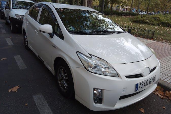 Alquiler barato de Toyota Prius cerca de 28033 Madrid.