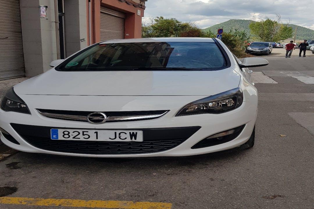 Alquiler barato de Opel Astra cerca de 08242 Manresa.