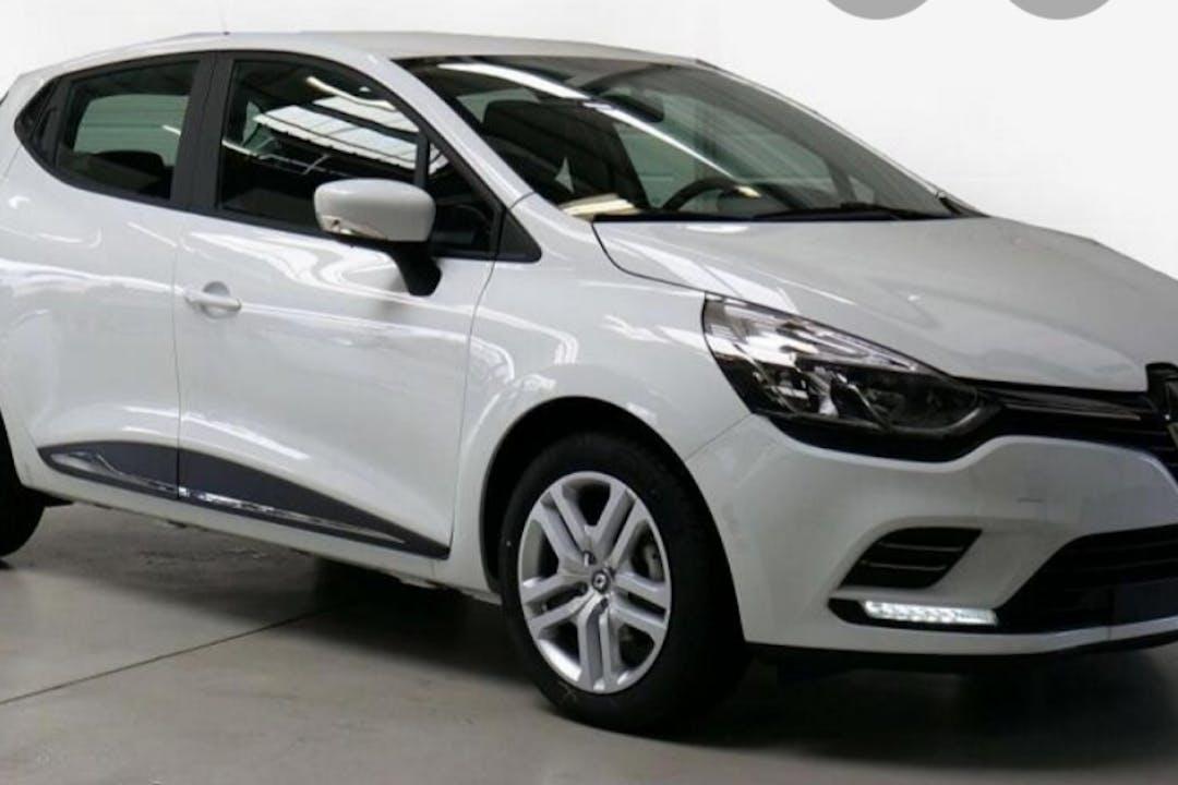 Alquiler barato de Renault Clio HB cerca de 38500 Güímar.