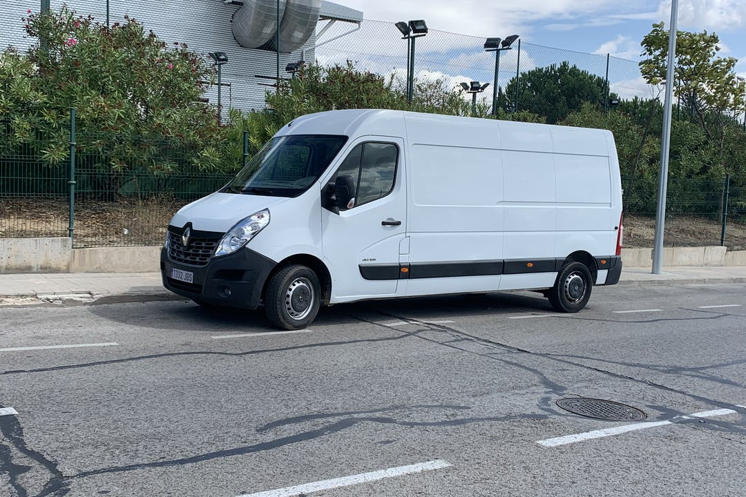 Alquiler barato de Renault Master cerca de 28224 Pozuelo de Alarcón.