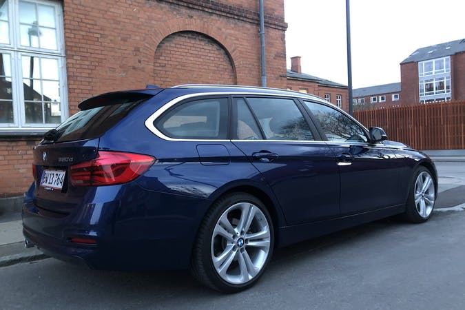 Billig billeje af BMW 3 Series nær  København.