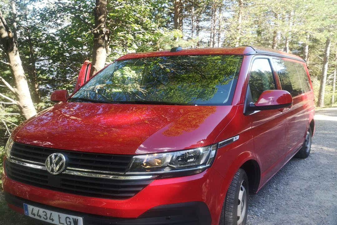 Alquiler barato de Volkswagen California con equipamiento Aire acondicionado cerca de 17007 Girona.