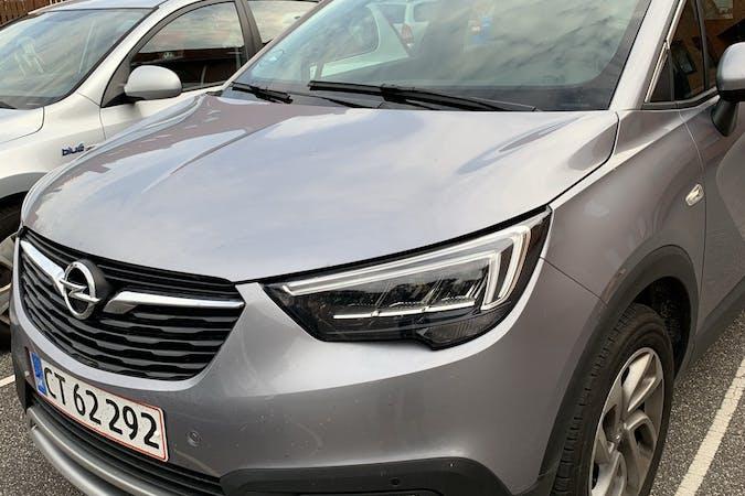 Billig billeje af Opel Crossland X med Aircondition nær  Frederiksberg.