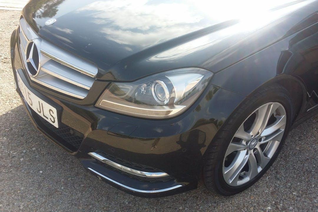 Alquiler barato de Mercedes 220 (124) cerca de 28521 Rivas-Vaciamadrid.
