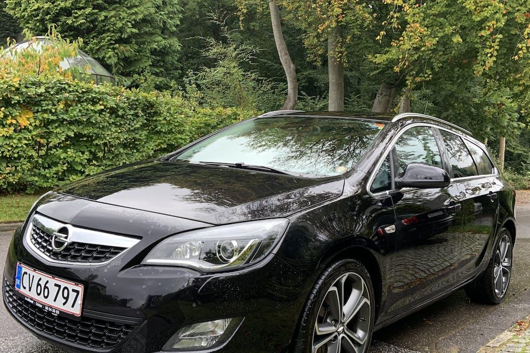 Billig billeje af Opel Astra med Anhængertræk nær 8000 Aarhus.