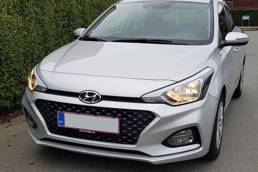 Billig billeje af Hyundai i20 nær 8381 Tilst.