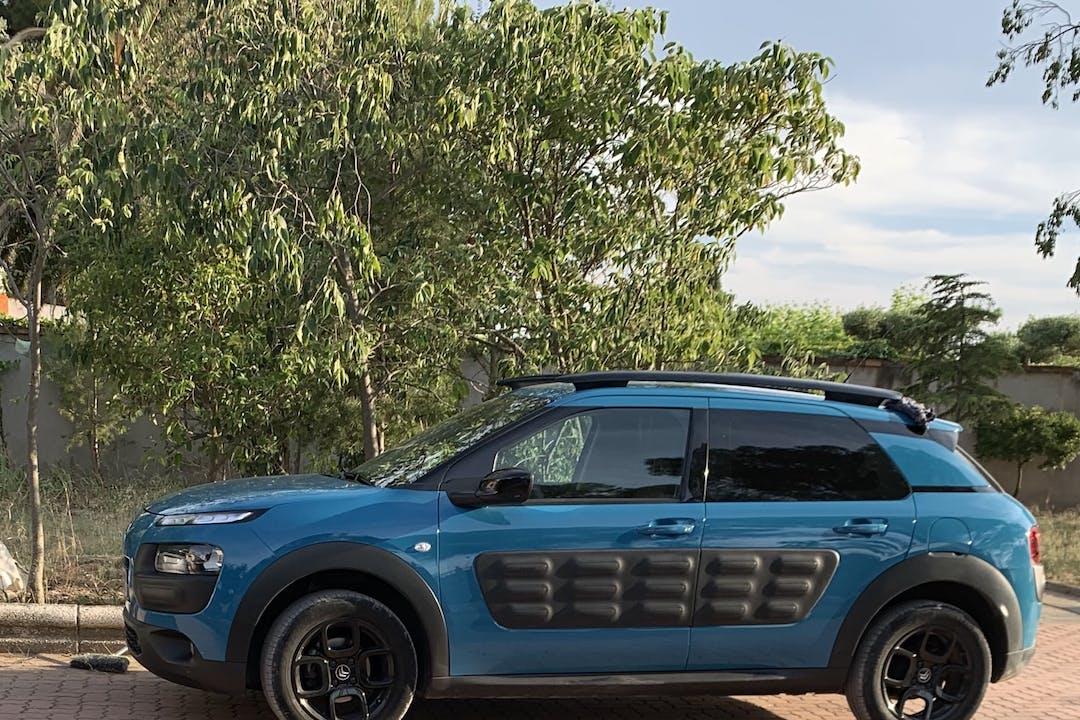 Alquiler barato de Citroën C4 Cactus con equipamiento Fijaciones Isofix cerca de 50017 Zaragoza.