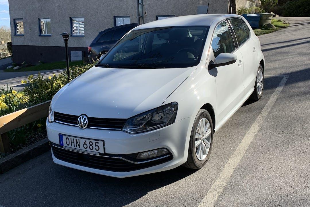 Billig biluthyrning av Volkswagen Polo i närheten av 151 44 Västergård.