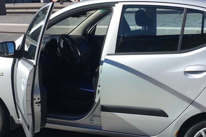 Billig biluthyrning av Hyundai i10 i närheten av  .