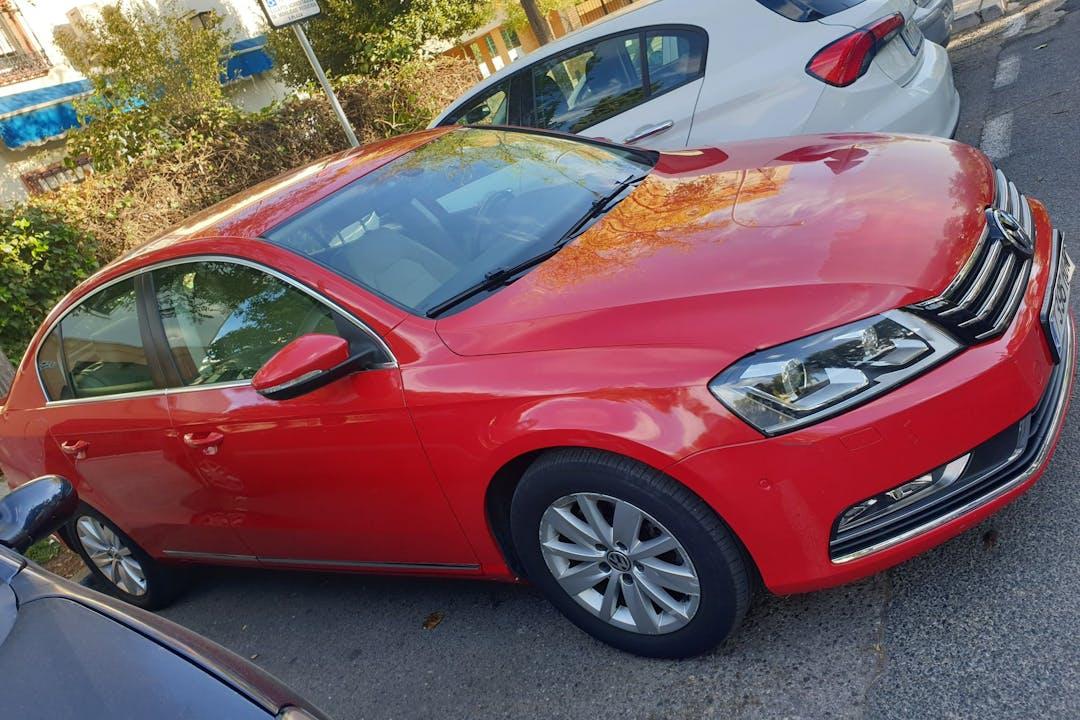Alquiler barato de Volkswagen Passat cerca de 41004 Sevilla.
