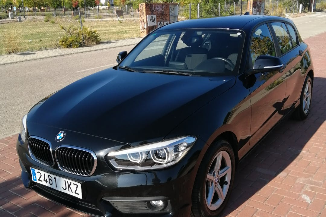 Alquiler barato de BMW Serie 1 cerca de 28801 Alcalá de Henares.