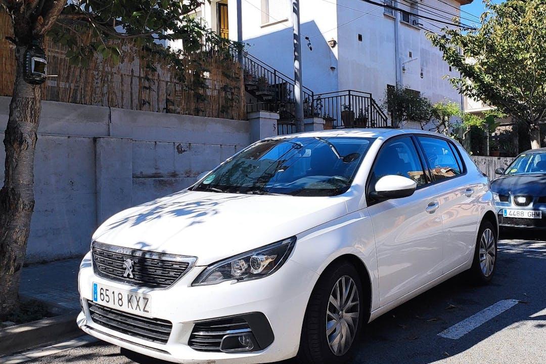Alquiler barato de Peugeot 308 cerca de 08173 Sant Cugat del Vallès.