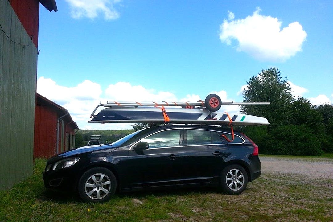 Billig biluthyrning av Volvo V60 med GPS i närheten av 473 93 Orust Ö.