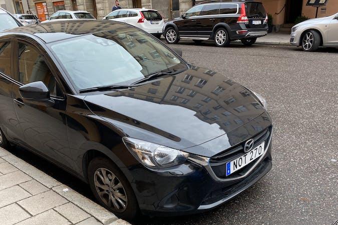 Billig biluthyrning av Mazda 2 med GPS i närheten av  Norrmalm.